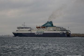 """El buque """"Nissos Chíos"""" demuestra su idoneidad y versatilidad"""