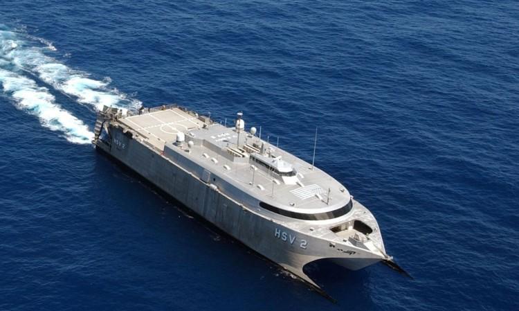 """El catamarán """"HSV-2 Swift"""" estuvo diez años al servicio de la U,S. Navy"""