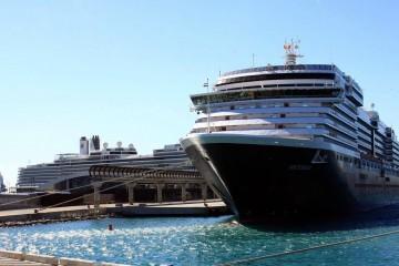 Los tres buques de Holland America Line, atracados en el puerto de Málaga