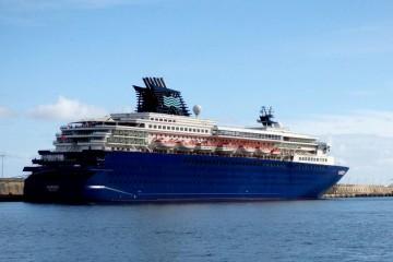 """El buque """"Horizon"""", hoy, en su primera escala en el puerto de Santa Cruz de La Palma"""