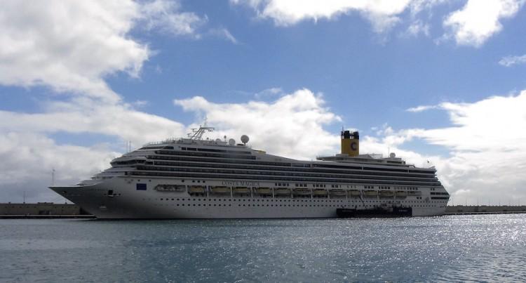 """El buque """"Costa Mágica"""", en su reciente escala en el puerto de Santa Cruz de Tenerife"""