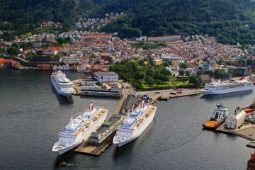 Panorámica del encuentro de los cuatro buques de Fred. Olsen en Bergen