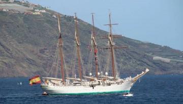 """Avante, en franquía, el buque-escuela """"Juan Sebastián de Elcano"""" gana mar abierta"""