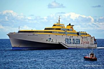 """El fast ferry """"Benchijigua Express"""" permanecerá dos días en parada técnica"""