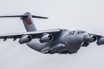 Este es el avión de transporte militar chino Xian Y-20