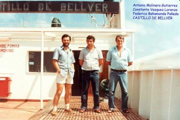 De izq. a dcha.; Antonio Molinero Gutiérrez (segundo oficial de cubierta), Constante Vázquez Lorenzo (jefe de máquinas) y Federico Bahamonde Pañera (marinero)