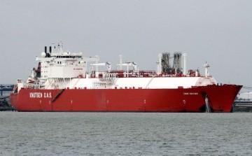"""El buque metanero """"Cádiz Knutsen"""", construido en el astillero de Puerto Real (Cádiz)"""