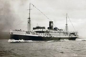 """Estampa marinera del trasatlántico """"Príncipe de Asturias"""", en pruebas de mar"""