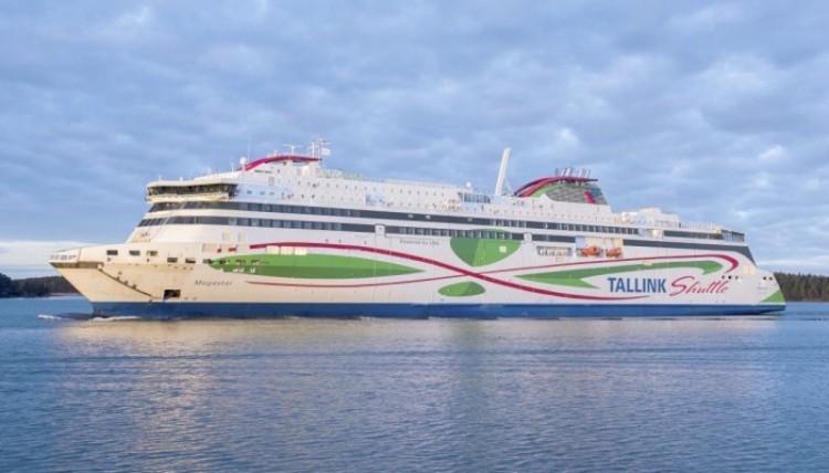 """Estampa marinera del ferry dual """"Megastar"""", primero de su clase construido en Finlandia"""