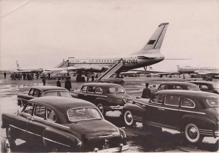 Varios aviones Tupolev Tu-104, aparcados en el aeropuerto de Moscú