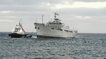 """El transporte logístico """"Contramaestre Casado"""", a su llegada esta tarde al puerto de Santa Cruz de Tenerife"""