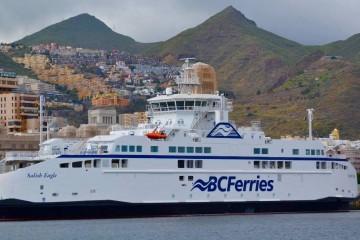 """El buque """"Salish Eagle"""", atracado en el puerto de Santa Cruz de Tenerife"""