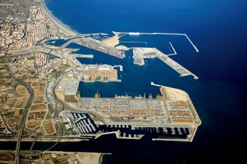La actividad en los puertos españoles se verá alterada con la huelga que anuncian los sindicatos del sector de la estiba