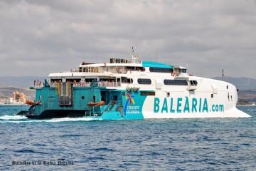 """El catamarán """"Jaume II"""" tendrá nuevos motores propulsores"""