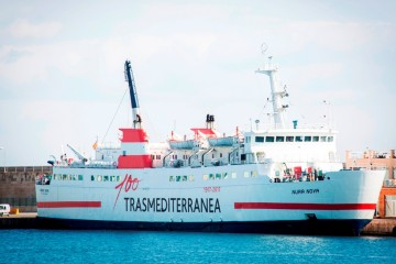 """El buque """"Nura Nova"""" se rrestrena en la línea Alcudia-Ciudadela"""