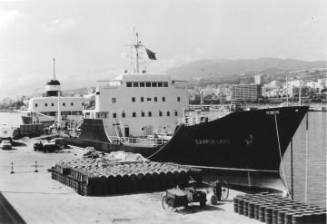 """El petrolero """"Campodarro"""", atracado en el puerto de Santa Cruz de Tenerife"""