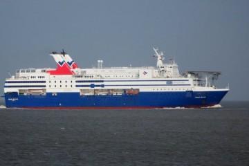 """Estampa marinera del buque """"Regina Baltica"""", la última adquisición de Balearia"""