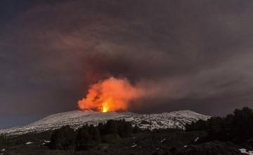 El nuevo episodio del volcán Etna se ha saldado con diez heridos
