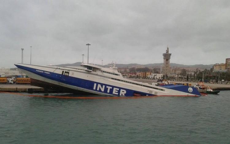La vía de agua ha provocado el estado en el que se encuentra el buque