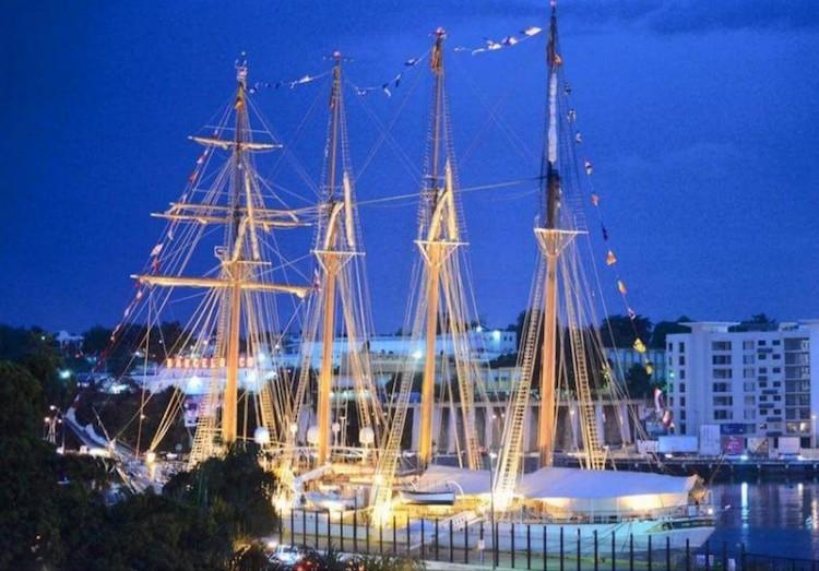 """El buque-escuela """"Juan Sebastián de Elcano"""", durante su estancia en Santo Domingo"""