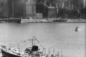 """El buque """"Covadonga"""", a su llegada a Nueva York"""