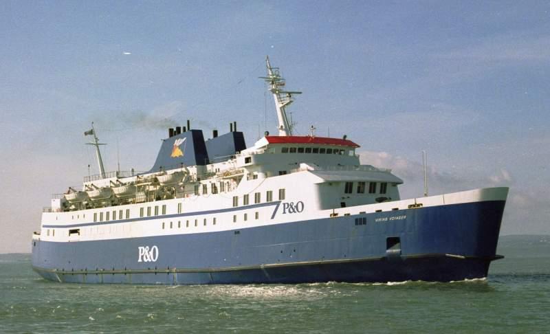 """Con el nombre de """"Viking Voyager"""" y los colores de P&O European Ferries"""