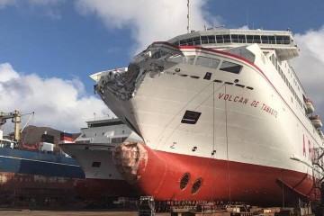 """Así quedó la proa del buque """"Volcán de Tamasite"""" tras el accidente"""