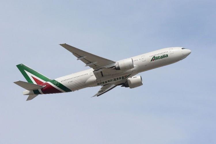 Alitalia recibe una ayuda en forma de préstamo de 600 millones de euros