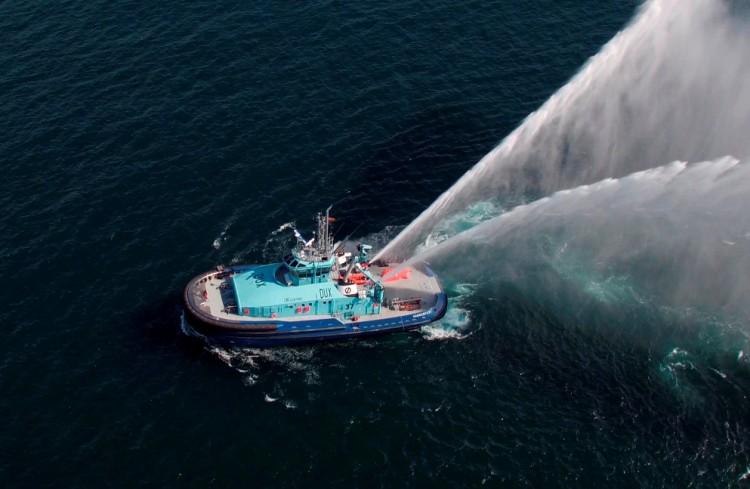 """El remolcador dual """"Dux"""" superó exitosamente  el programa de pruebas de mar"""