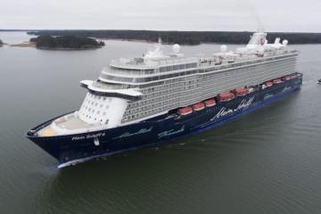 """El buque """"Mein Schiff 6"""", entregado ayer a Tui Cruises"""