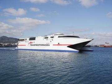 El servicio de Trasmediterránea entre Ceuta y Algeciras está atendido por una embarcación de alta velocidad