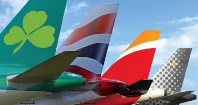 Colas de aviones de las cuatro compañías que forman IAG