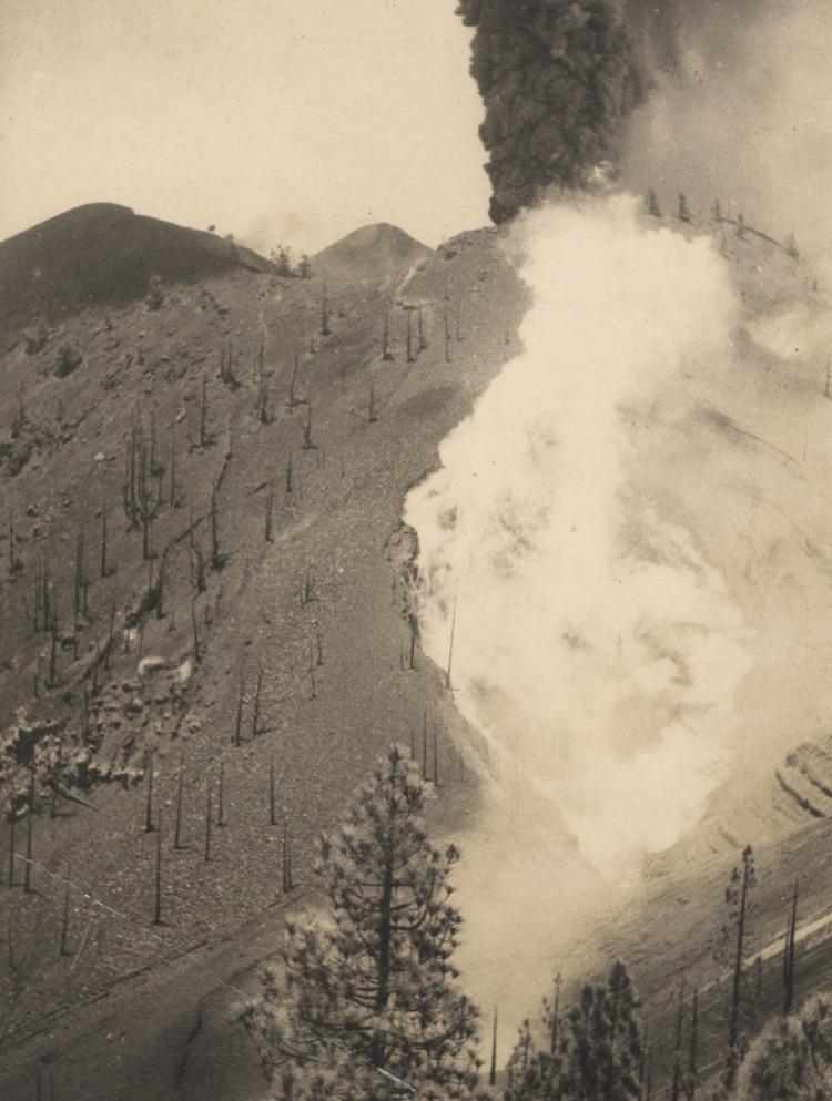Actividad explosiva del volcán de San Juan
