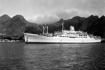"""El trasatlántico italiano """"Surriento"""", en el puerto de Santa Cruz de Tenerife"""