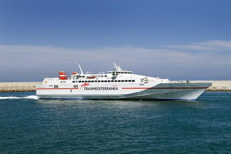 """El buque monocasco de alta velocidad """"Almudaina Dos!"""" cubre la línea Gandía-Ibiza-Formentera"""