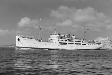 """El buque """"Ciudad de Ibiza"""" zarpa del puerto de la capital ibicenca"""