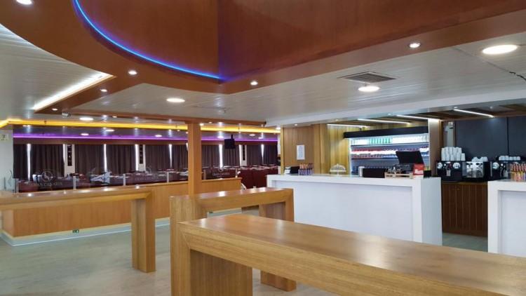 La renovación ha cambiado la imagen interior del buque