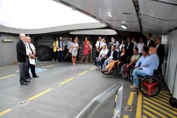 Pasajeros de movilidad reducida pudieron comprobar la mejor accesibilidad a bordo