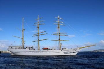 """El buque-escuela """"Bima Suci"""", en una de sus salidas a la mar en pruebas"""