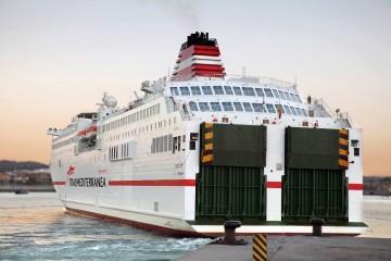 Dos de los mejores buques de Trasmediterránea atienden las líneas de Melilla