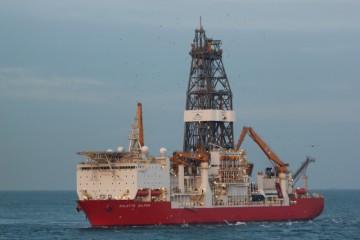 """El buque plataforma """"Bolette Dolphin"""", por primera vez en el puerto de Santa Cruz de Tenerife"""