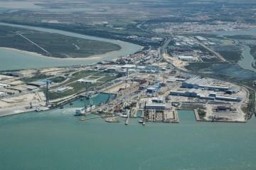 Panorámica del astillero de Navantia en Puerto Real
