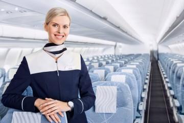 Interior de la cabina del avión Airbus A330 de Finnair