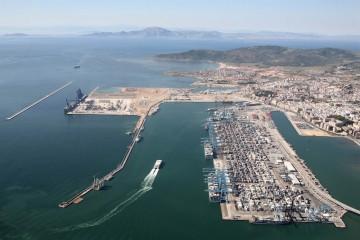 Panorámica del puerto de Algeciras, primero de España en tráfico de contenedores