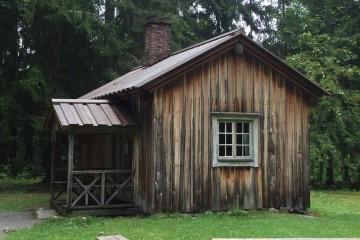 En esta humilde casa vivió Aleksis Kivi, a orillas del lago Tuusula