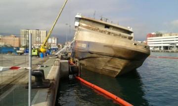 """El casco del buque """"Panagia Parou"""" ha salido de nuevo a flote"""
