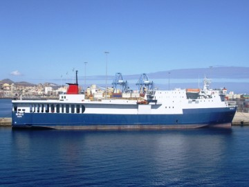 """El buque """"Reyes B"""", atracado en el puerto de Las Palmas de Gran Canaria"""