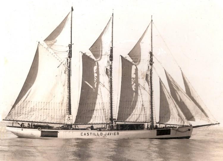 """El buque-escuela """"Castillo javier"""", con todo el aparejo desplegado"""