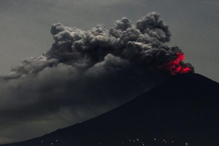 Se teme una erupción mayor del volcán Agung