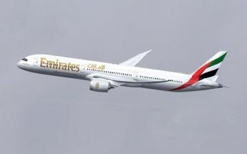 Emirates reparte su estrategia entre los principales fabricantes aeronáuticos del mundo